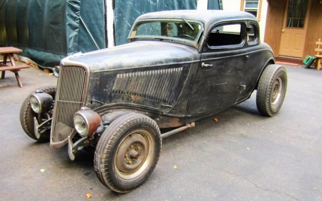 Mix Of Old And New: 1934 Ford 5 Window