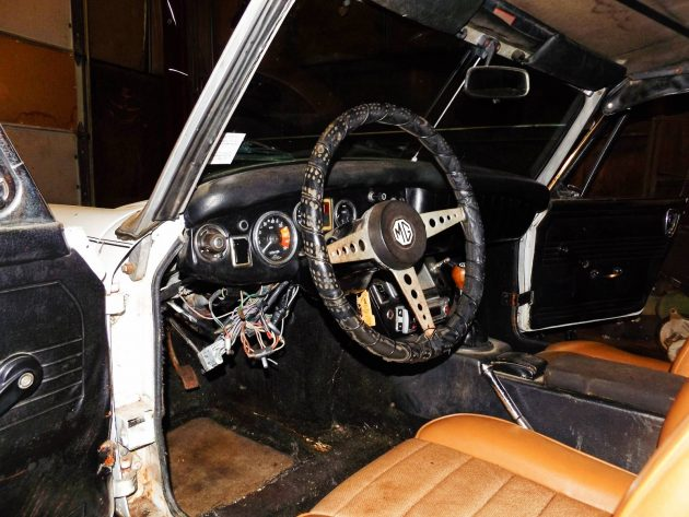 EXCLUSIVE 1971 MG Midget MK III