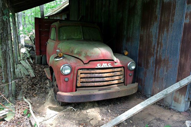 Lean To Find: 1953 GMC 4400