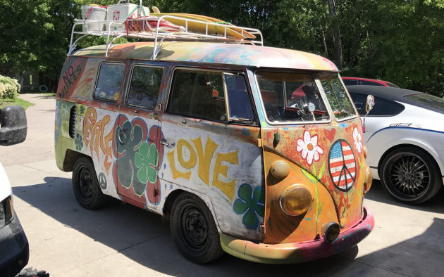 short hippies  volkswagen bus