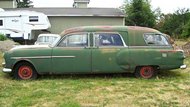 $2,500 Three Pack: Packard Hearse and Sedans