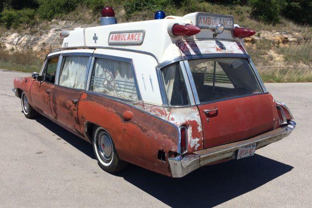 superior coach 1970 pontiac bonneville safari ambulance. Black Bedroom Furniture Sets. Home Design Ideas