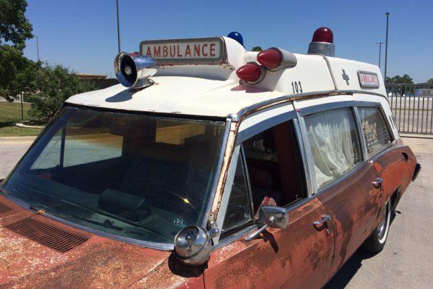 Superior Coach: 1970 Pontiac Bonneville Safari Ambulance