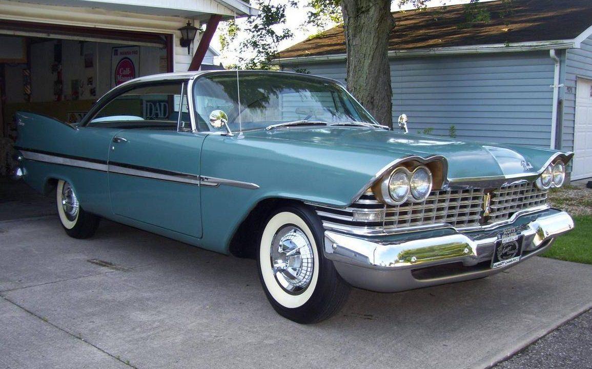Finned Mopar 1959 Plymouth Belvedere