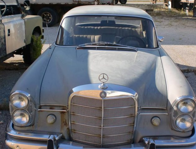Three Pedal Fintail 1968 Mercedes Benz 230s