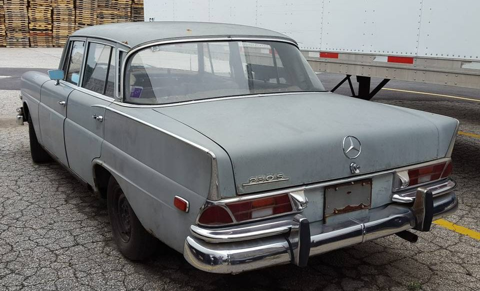 three pedal fintail 1968 mercedes benz 230s. Black Bedroom Furniture Sets. Home Design Ideas