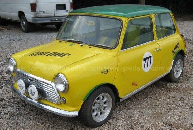 Government Auction: 1976 Austin Mini 1000