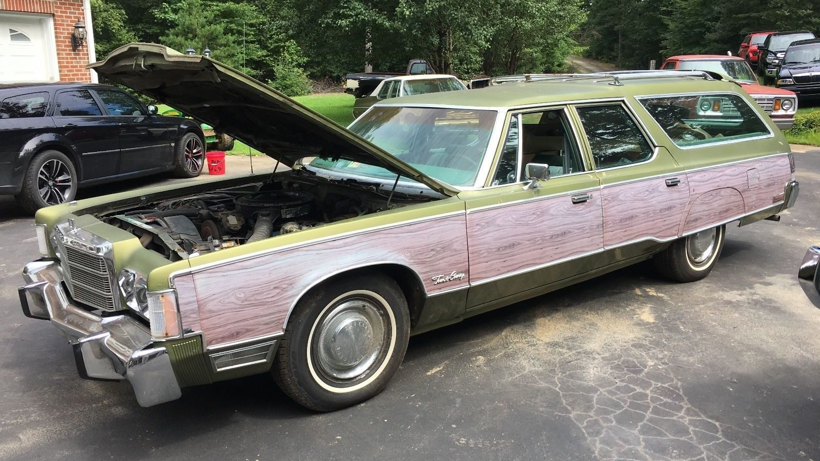 Family Truckster: 1977 Chrysler Town and Country