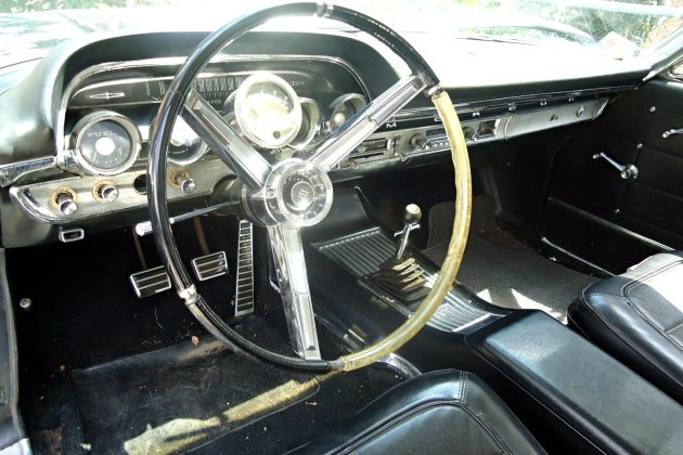 Shivers May Start To Run Up Your Spine Upon Seeing The Four Speed Shift  Lever Mounted So Pleasantly In The Center Console. If That Doesnu0027t Excite  You, ...