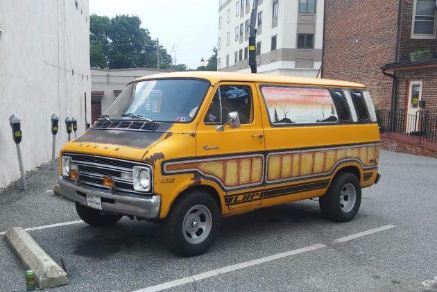 Dont Come a-Knocking: 1976 Dodge Tradesman