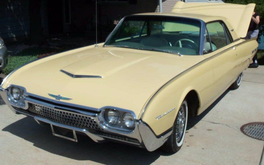 Bird of Few Words: 1962 Ford Thunderbird
