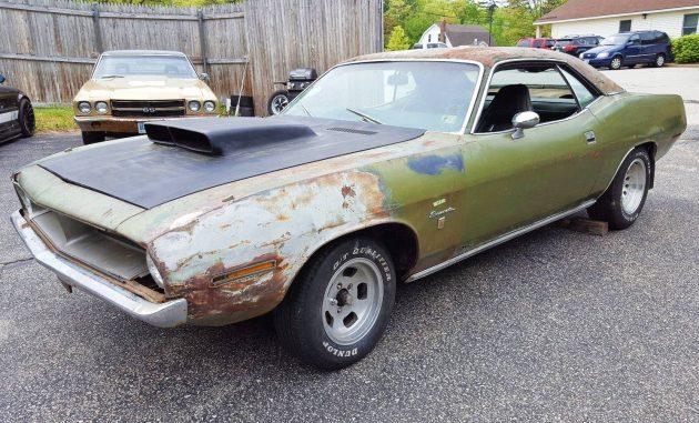 Green Gran Coupe: 1970 Plymouth Barracuda
