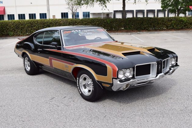 One Repaint: 1971 Oldsmobile 442 W-30