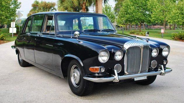 Hemi Powered: 1962 Daimler DQ450 Limo