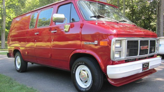 Captain's Chairs: Clean 1989 GMC Vandura