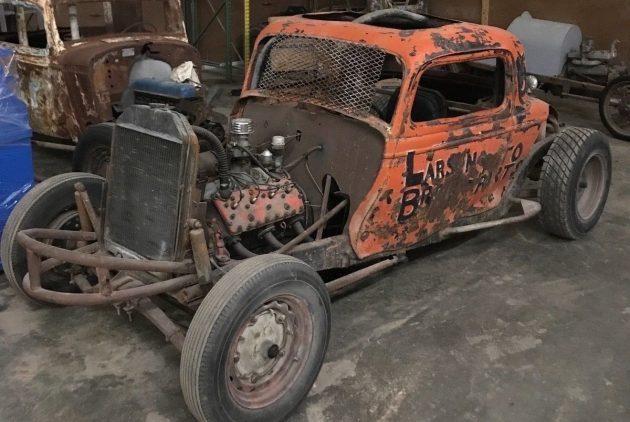 Fully Restored 1933 Ford 3 Window Racer