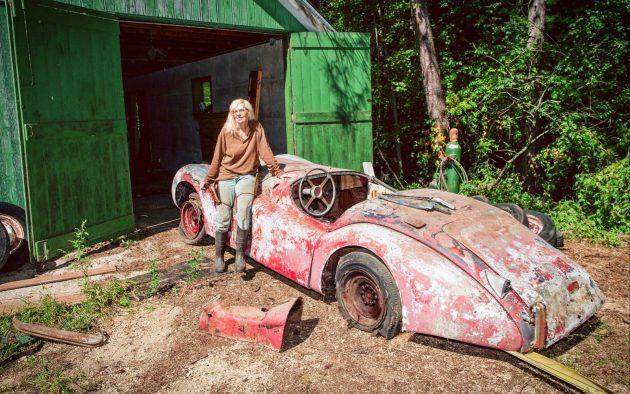 Granny's Alloy Bodied 1950 Jaguar XK120!