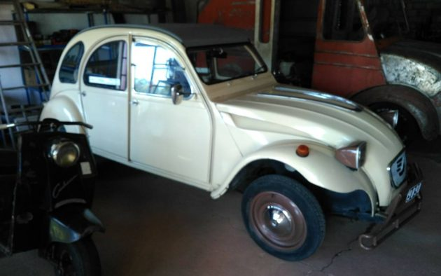 They Like Jerry Lewis Movies: 1975 Citroen 2CV
