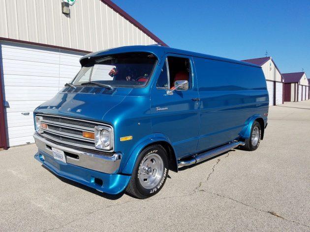 No Stains: 1974 Dodge Tradesman Custom