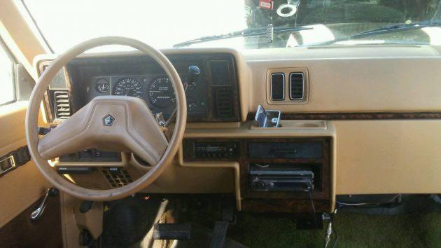 Cheap Mini Custom: 1988 Dodge Ram Van