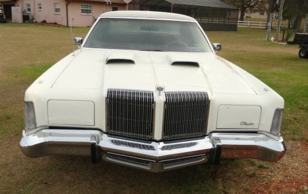 Four-Speed floor-shifted 1976 Chrysler New Yorker