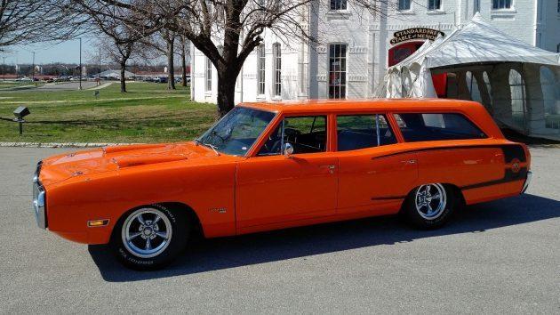 Big Ol' Bee: 1970 Dodge Coronet Super Bee Wagon