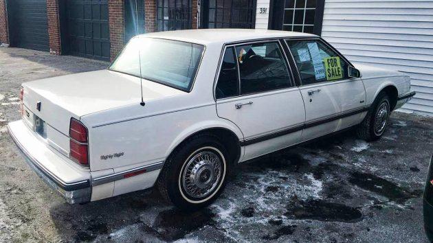 One 100 Year Old Owner 1989 Oldsmobile Delta 88 Royale