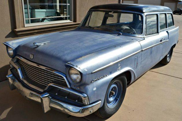 V8 Manual Packard-Baker: 1956 Parkview Wagon