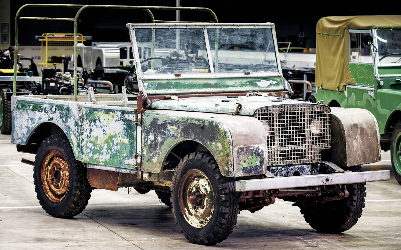 first land rover series 1 made found in a garden. Black Bedroom Furniture Sets. Home Design Ideas