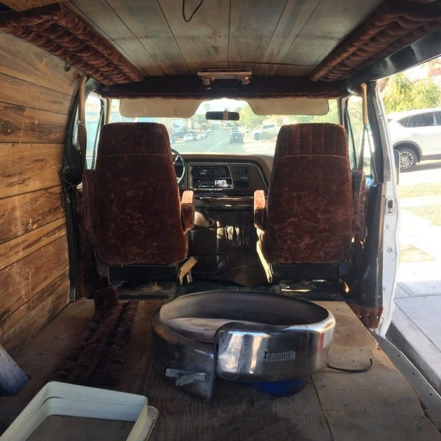 Sidepipes Not Included: 1976 Ford E150 Shorty