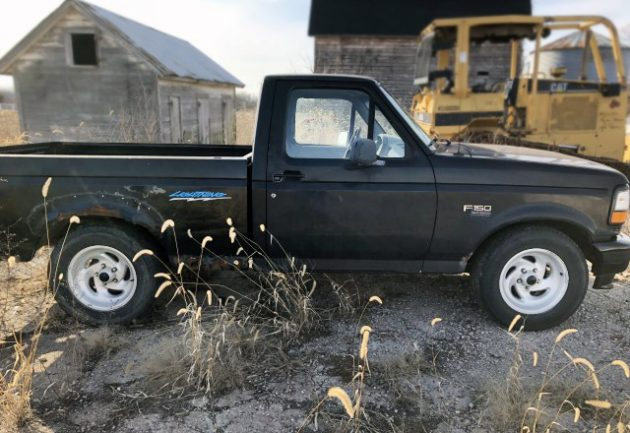& Muscle Truck: 1994 Ford F-150 SVT Lightning