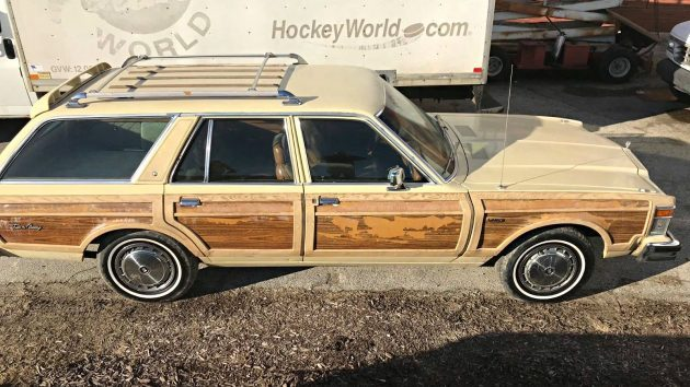 Low Mileage V8: 1978 Chrysler Town & Country