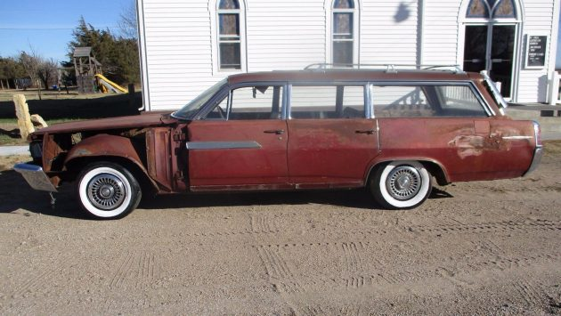 Salvage Yard Rescue: 1963 Pontiac Bonneville Safari Wagon