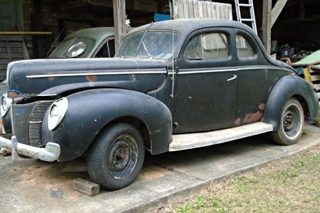 Coupe De' Barn: 1940 Ford Coupe