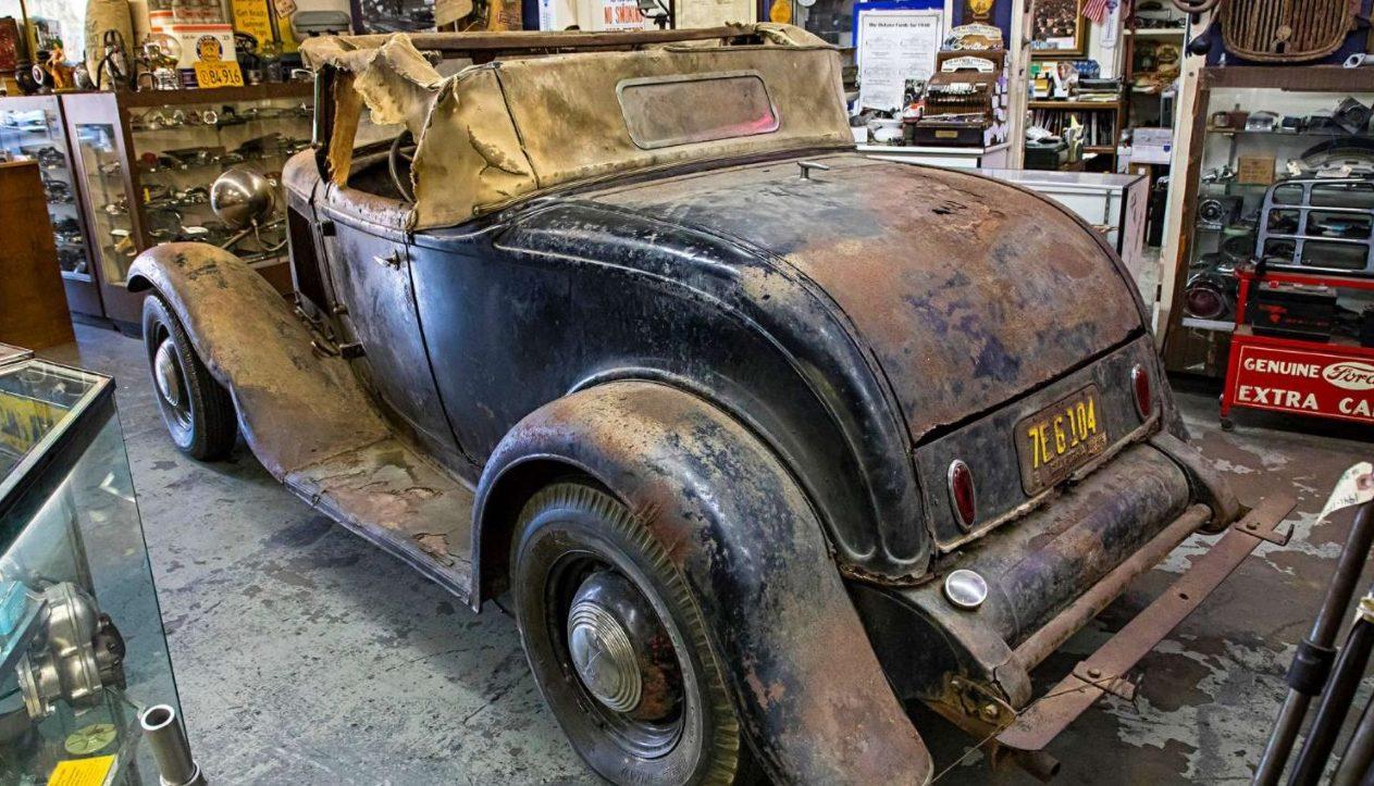 les vieilles reposent en paix - Page 39 Ford-rear-2-e1525105772928