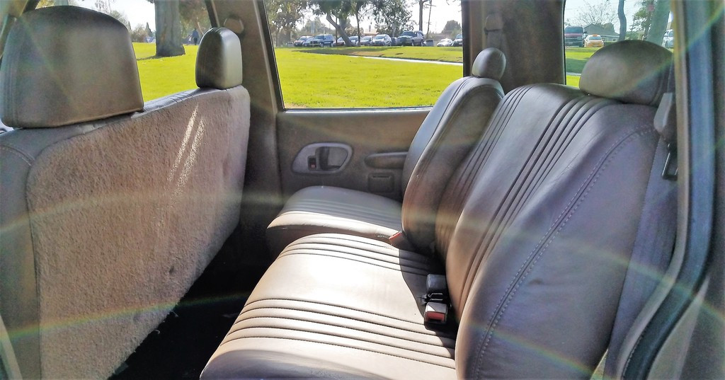 Turbo Diesel 4x4: 1995 Chevrolet Suburban K2500