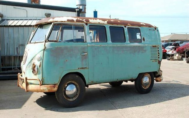 California Dream'n: 1962 VW Bus Survivor