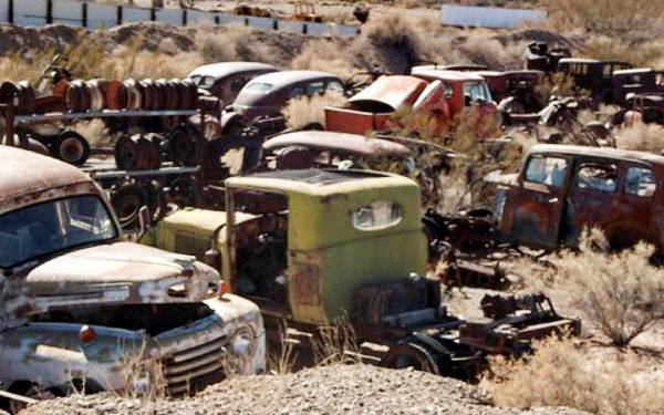 Roadside Sighting: Antique Parts Company