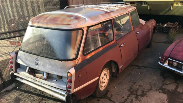 Forlorn Estate: Citroen DS Break