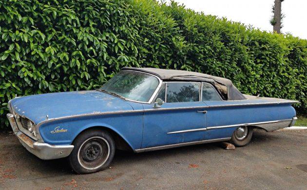 Flat Fin Original: 1960 Ford Galaxie Sunliner