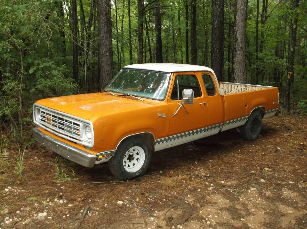 Orange Creamsicle 1976 Dodge D100