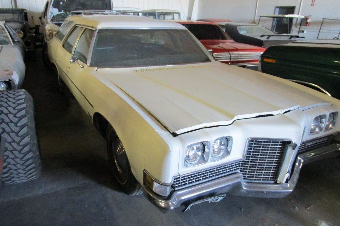 Big Is Beautiful: 1971 Pontiac Bonneville Station Wagon