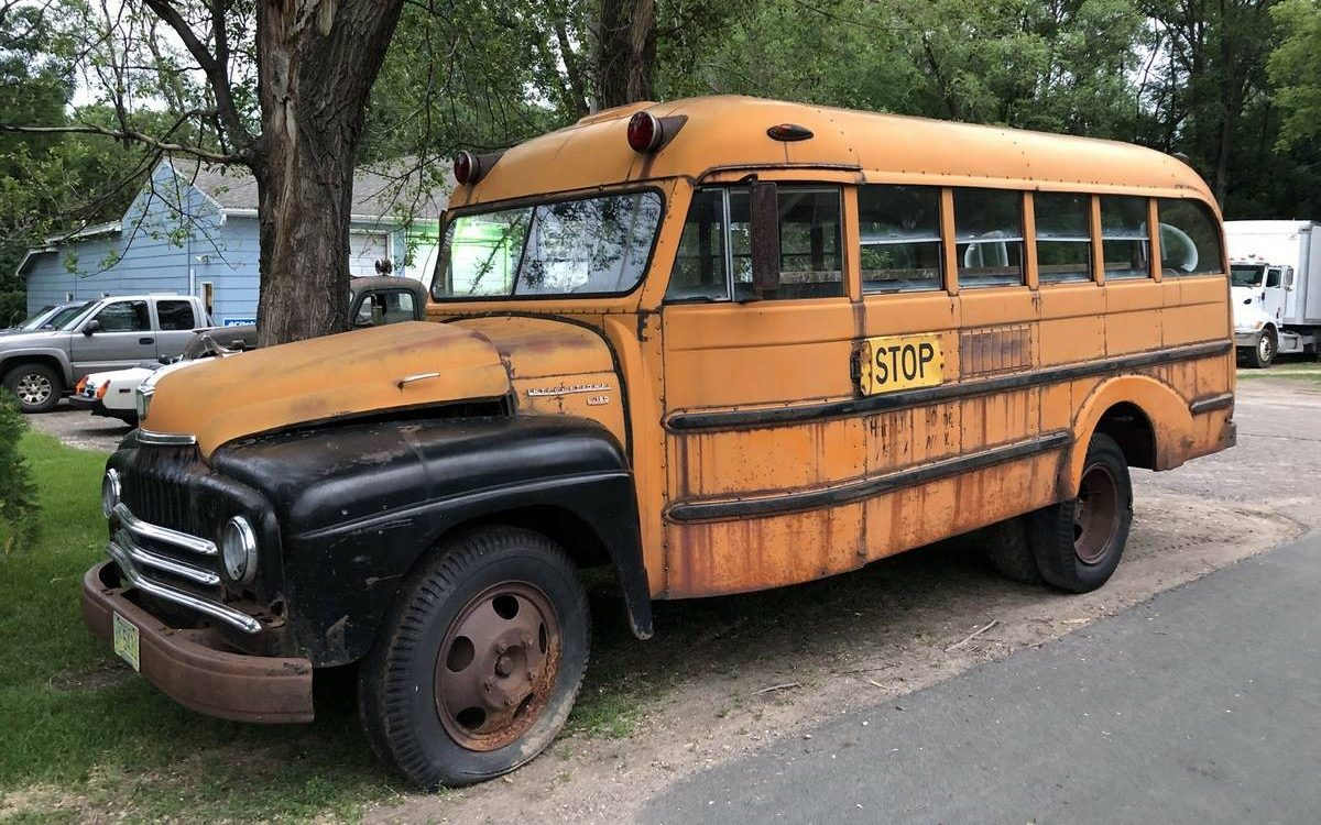 Short Medium Bus 1951 International School Bus