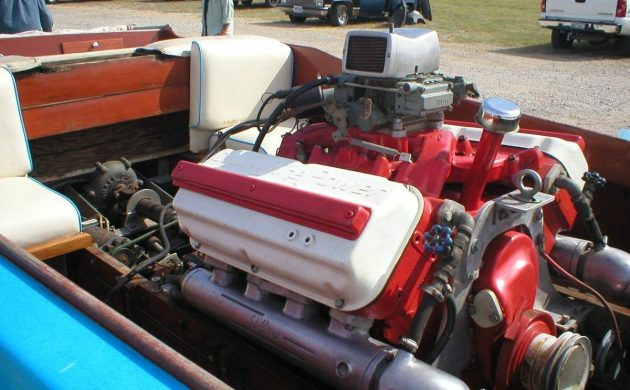 Fast Fun: 1957 Chrysler Hemi V-drive Boat