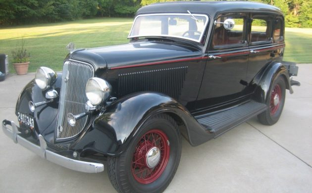 Pretty Plymouth: 1934 Plymouth Sedan