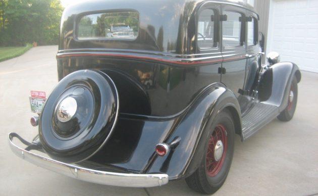 Pretty Plymouth: 1934 Plymouth Sedan