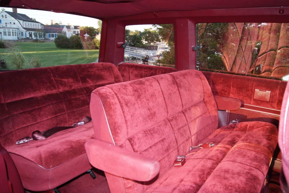 Mint Condition Minivan: 1988 Dodge Caravan LE