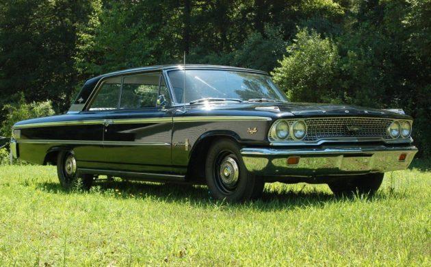 Blue Oval Tri-Power: 1963 Ford Galaxie 500XL