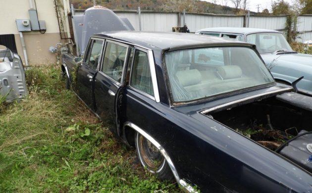 Crazy Backyard Find: 1967 Mercedes-Benz S600