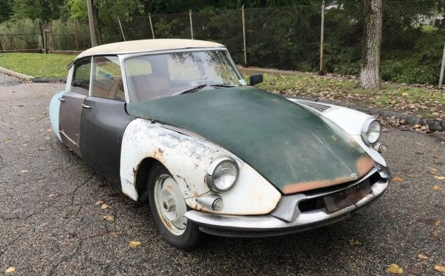 Looks Can Be Deceiving: 1961 Citroën DS19
